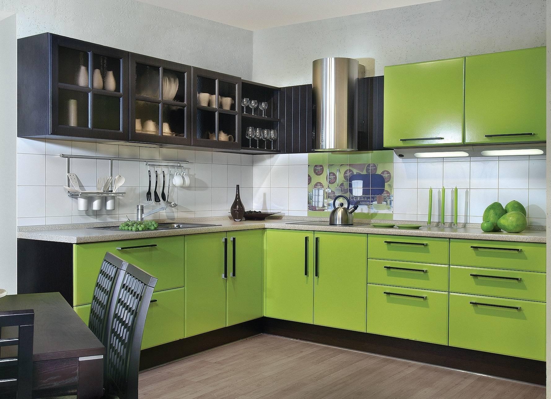 Варианты кухонных гарнитуров для маленькой кухни