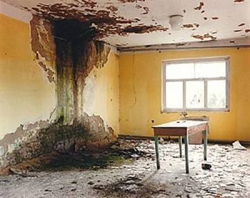Течет крыша в многоквартирном доме: кому жаловаться, если жкх не реагирует