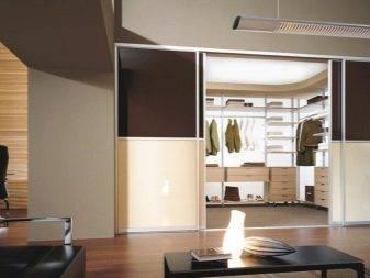 Двери для гардеробной комнаты, наиболее популярные варианты