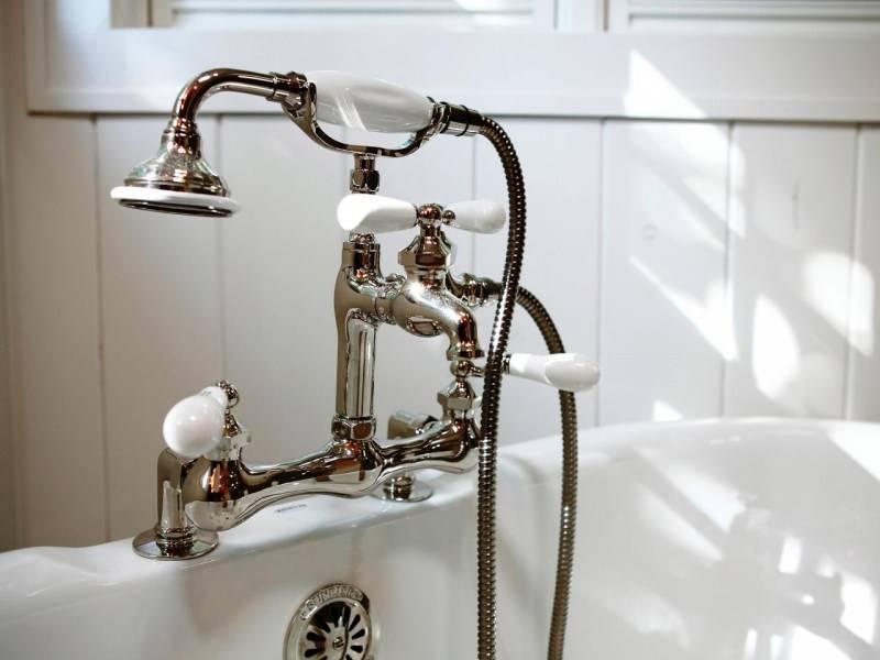Как выбрать смеситель для ванной: хорошие краны и какой фирмы лучше, самые лучшие и качественные устройства для ванны и раковины