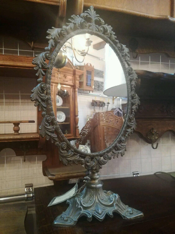 Овальное зеркало с подсветкой в ванную комнату: особенности и советы по выбору