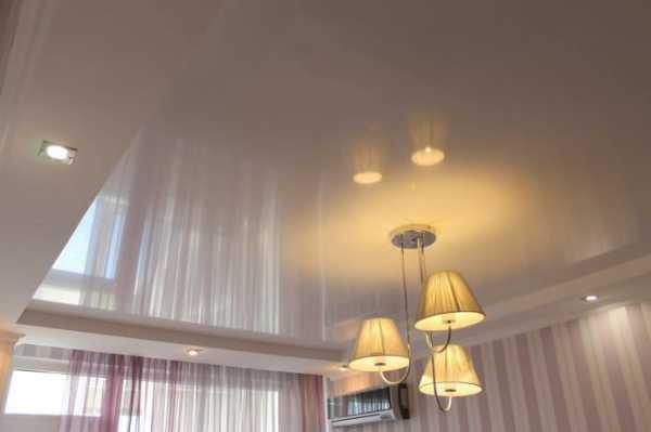 50 фото с примерами интерьеров с двухцветными натяжными потолки