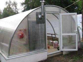 Круглогодичный урожай: строим зимнюю теплицу из поликарбоната с отоплением своими руками