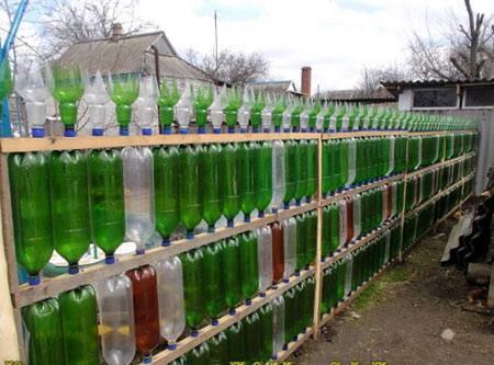 Забор из пластика: когда лучше использовать такую конструкцию