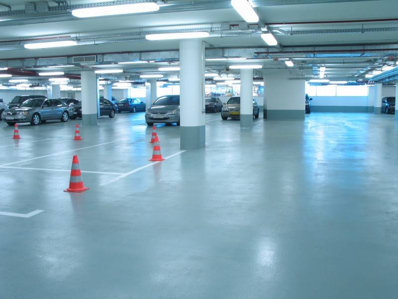 Как залить бетонный пол с топпингом: видеоинструкция