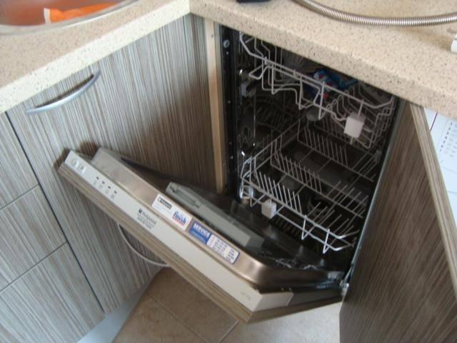 Самостоятельное подключение посудомоечной машины к коммуникациям