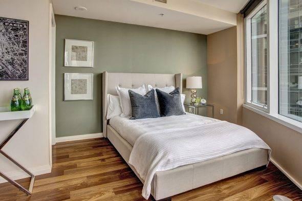 Особенности дизайна спальни без окон: 75 вариантов в фото