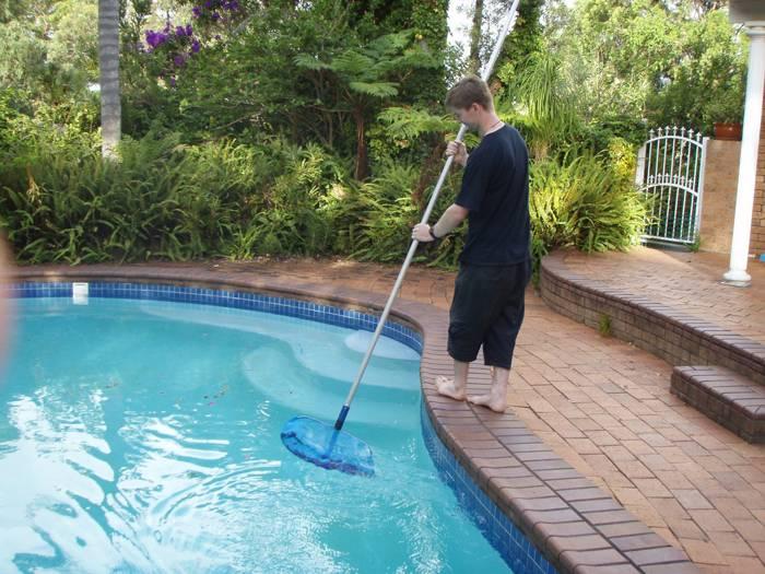 Как правильно ухаживать за каркасным бассейном на даче? что необходимо знать?