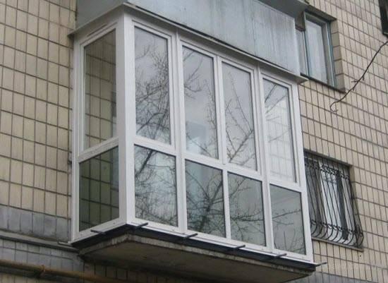 Французский балкон: история возникновения, особенности конструкции, фото красивых вариантов