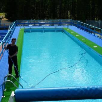 Чистка и уход за бассейном на даче: как чистить, ухаживать в домашних условиях, средства, надувной, каркасный, дно