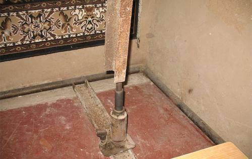 Пошаговая инструкция как поднять дом домкратом своими руками