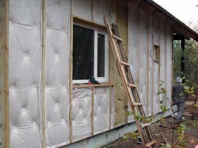 Как и чем лучше утеплить дом снаружи: утеплители и их характеристики, эффективные способы, советы специалистов