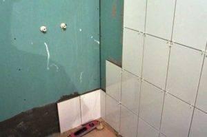 Как класть плитку на пол в туалете: характеристики плитки, инструменты для работы и как правильно класть плитку своими руками