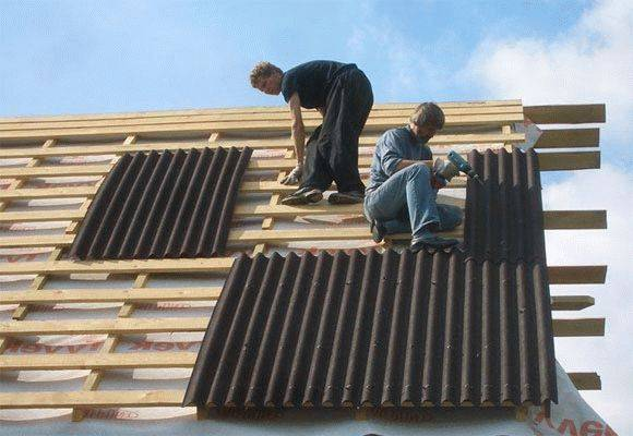 Как крыть крышу ондулином своими руками - подробная инструкция