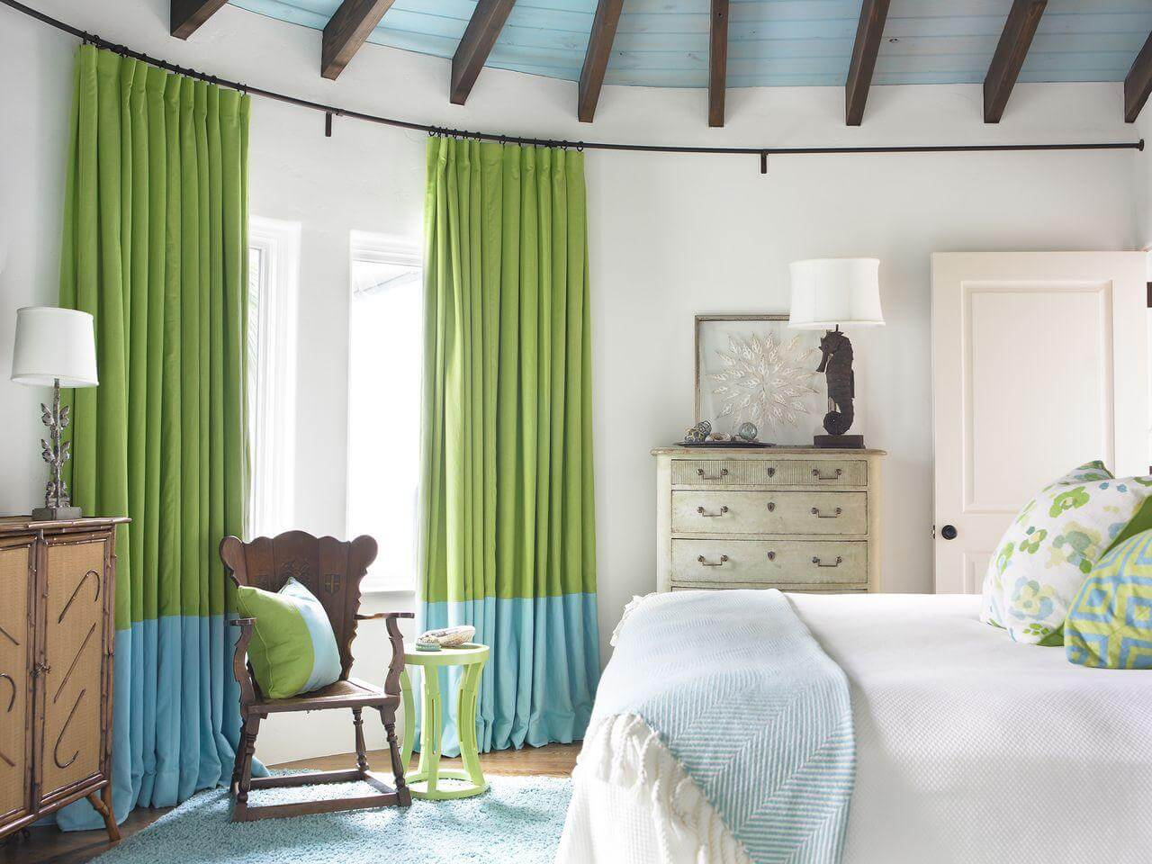 Декор штор — обязательный элемент интерьера