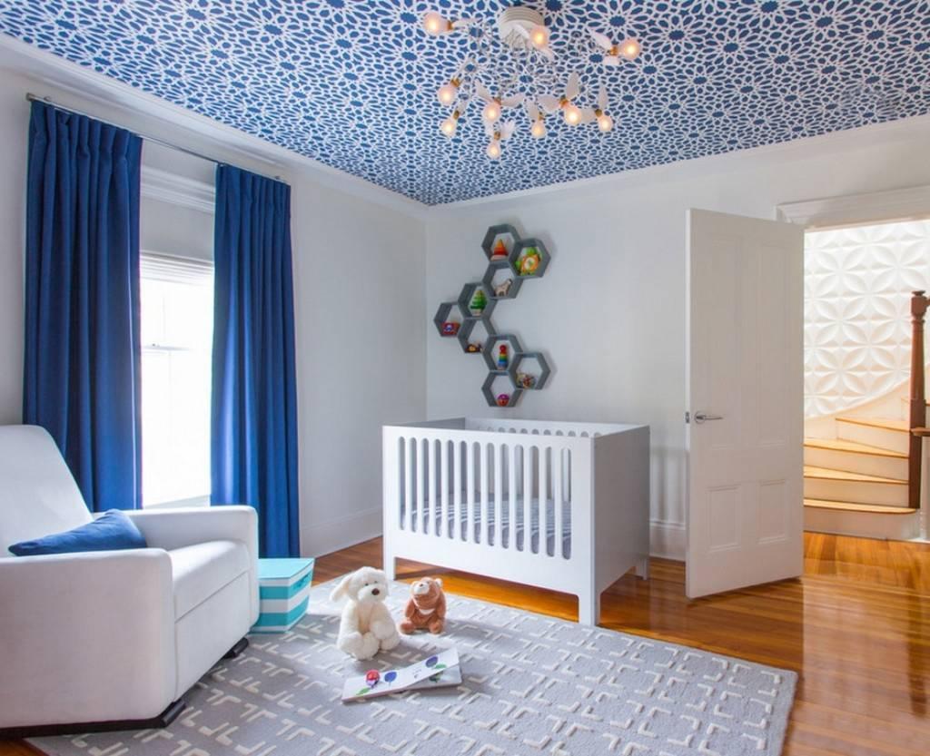 Как выбрать плинтус на потолок