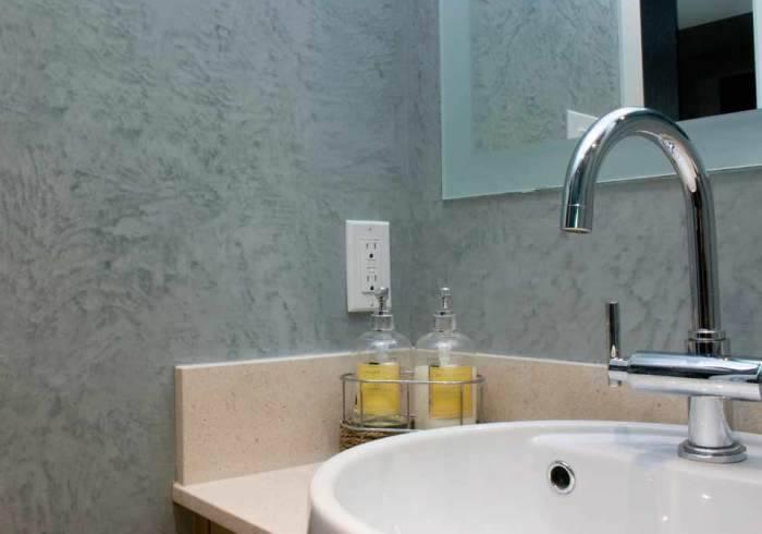 Можно ли мыть жидкие обои: безопасные способы удаления пятен