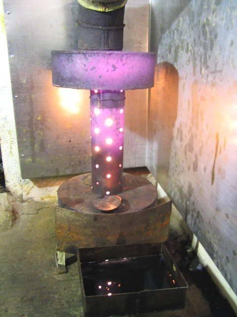 Печь на отработке: плюсы и минусы использования, процесс изготовления печи из баллона и стальных листов, видеообзор