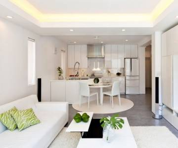 Дизайн небольшой гостиной с камином