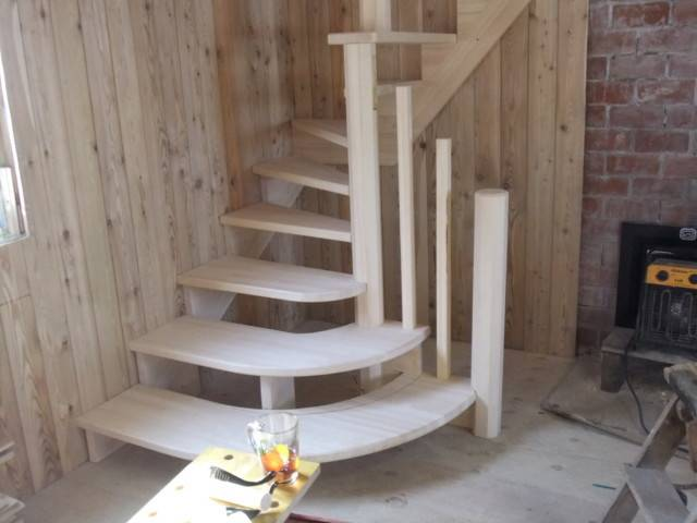 Лестница на второй этаж в бане – виды, требования, монтаж