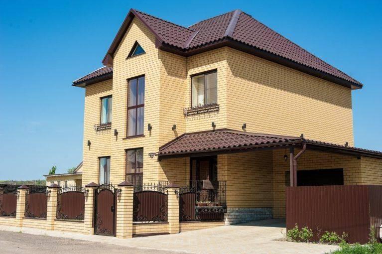 100 красивых вариантов: фасады домов из кирпича фото