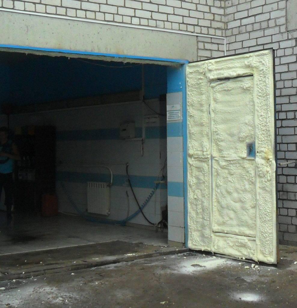 Советы по утеплению гаражных ворот своими руками