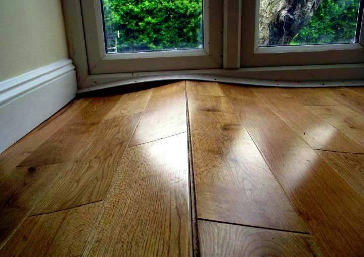 Выравниваем пол в доме своими руками с деревянными полами и перекрытиями: Пошагово - Обзор