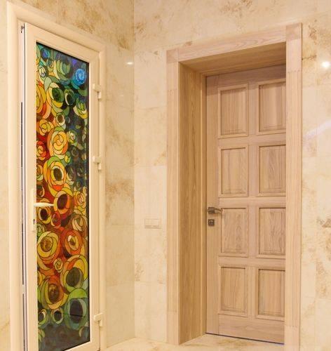 Двери из массива сосны: виды, изготовление и особенности монтажа