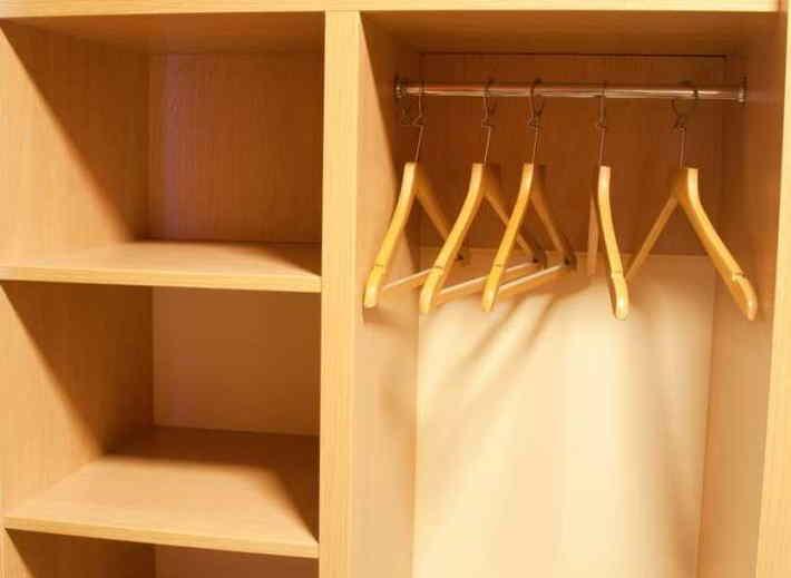 Уборка вещей в шкафу: фото и советы, как быстро убрать в шкафу для одежды | женский журнал читать онлайн: стильные стрижки, новинки в мире моды, советы по уходу