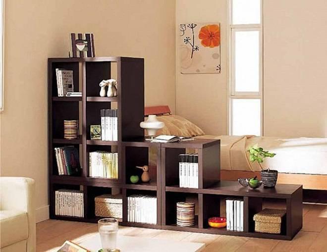 Деревянный стеллаж-шкаф из массива, как оформить - разбираемся досконально
