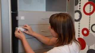 Закрываем шкафы и острые углы мебели от детей