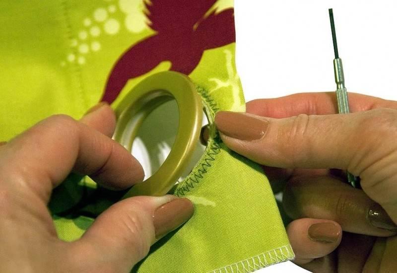 Виды крепления штор к карнизу (29 фото): как вешать занавески на карниз с кольцами и на люверсах? другие способы и варианты