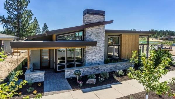Дизайн двора частного дома, обустройство - фото примеров