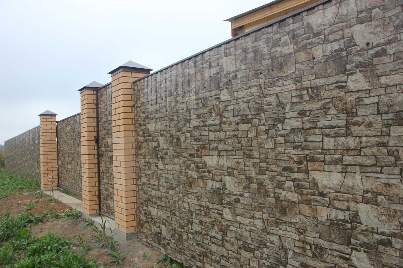 Как правильно залить фундамент под забор с кирпичными столбами своими руками