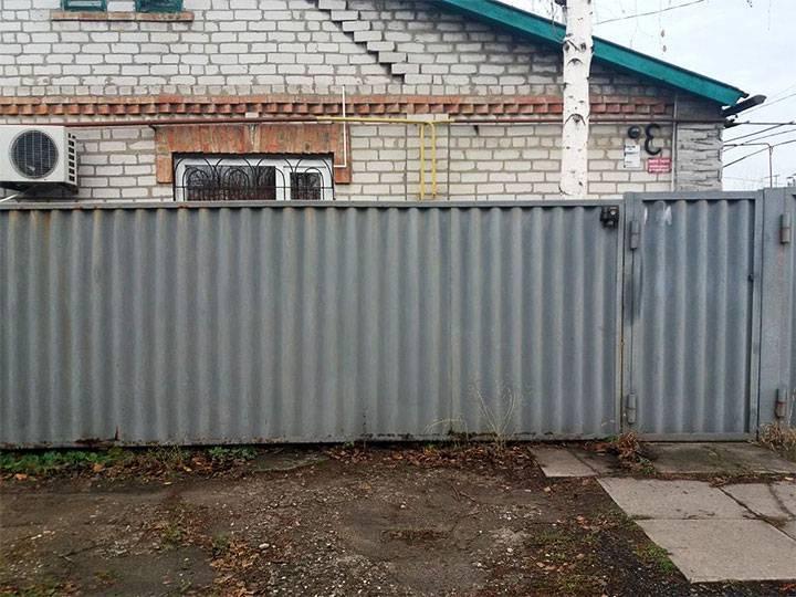 Как быстро сделать забор из шифера своими руками: инструкция