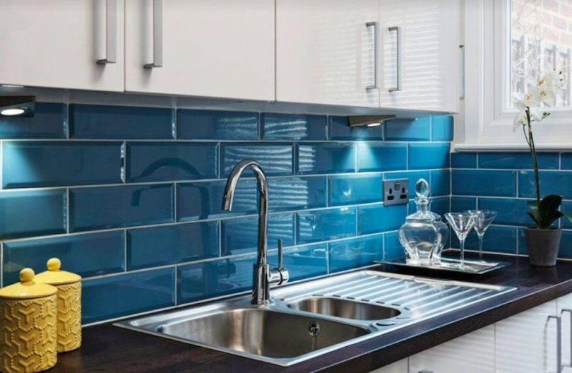 Как наклеить плитку на стену в кухне: виды, размеры, варианты и техника укладки
