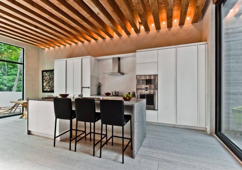 Когда и зачем нужны декоративные балки на потолок?