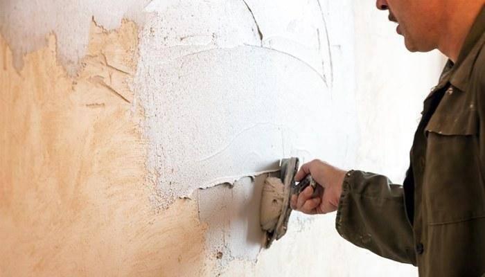 Краска для внутренних работ по штукатурке: можно ли наносить после оштукатуривания стен акриловую, водоэмульсионную покраску, как покрасить стенки кухни или балкона, расход на 1м2, чем и как лучше красить цементную, гипсовую и известковую отделку