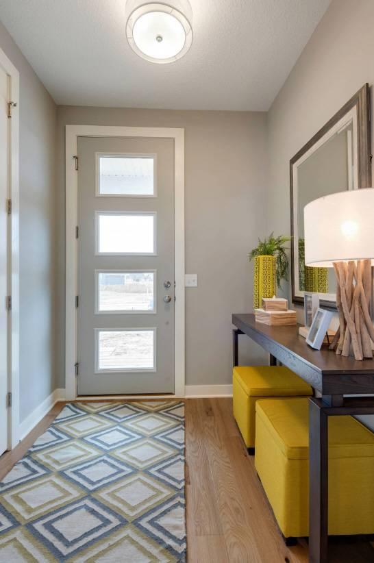 Белые двери в интерьере: 210+ (фото) реального дизайна