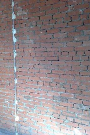 Штукатурка стен по маякам своими руками: инструкция с фото и видео