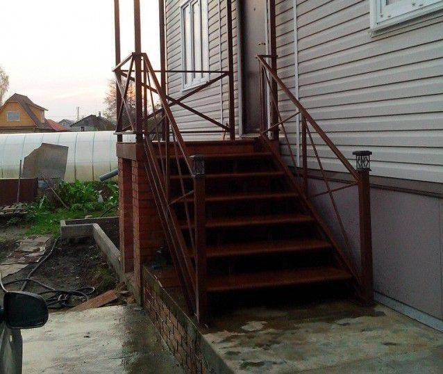 Крыльцо пристроенное к дому своими руками: секреты возведения надёжных конструкций из бетона, кирпича, металла и дерева   60+ фото & видео