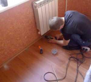 Укладка линолеума на деревянный пол и как стелить фанеру своими руками