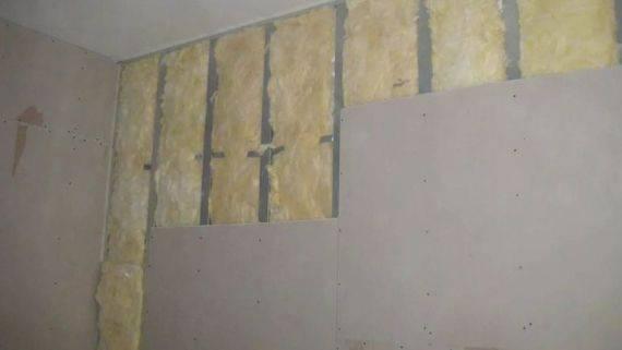 Отделка стен гипсокартоном без каркаса и профиля на деревянную стену