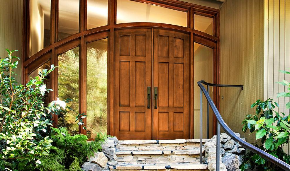 Входная дверь в частный дом (62 фото): уличные и утепленные изделия в частный дом и коттедж, теплые и морозостойкие модели