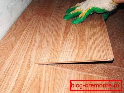 Как правильно укладывать ламинат вдоль или поперек - только ремонт своими руками в квартире: фото, видео, инструкции