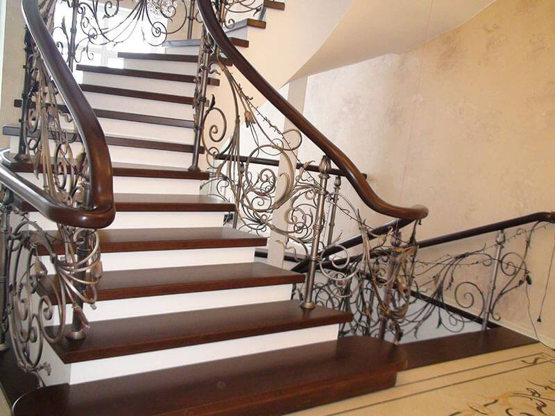 Лестница на второй этаж в частном доме, выбираем подходящий проект