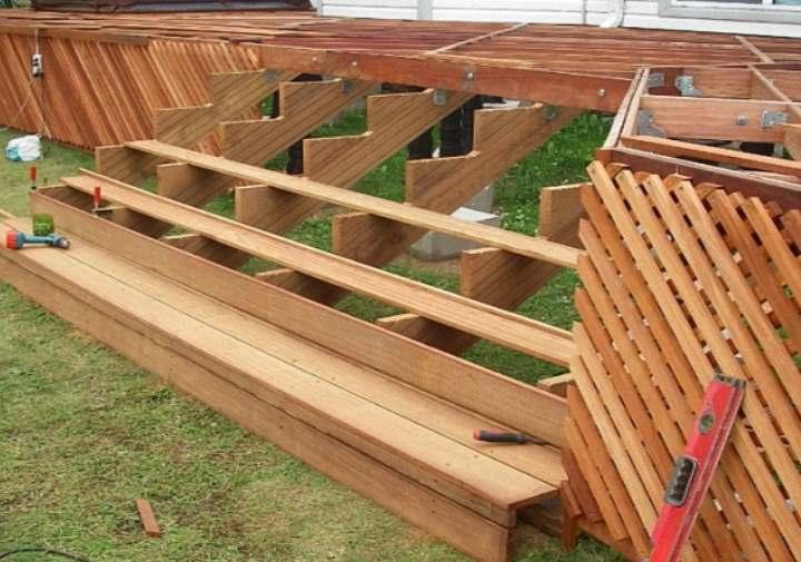 Как построить деревянную лестницу на террасу своими руками для деревянного дома: Пошагово и чертежи