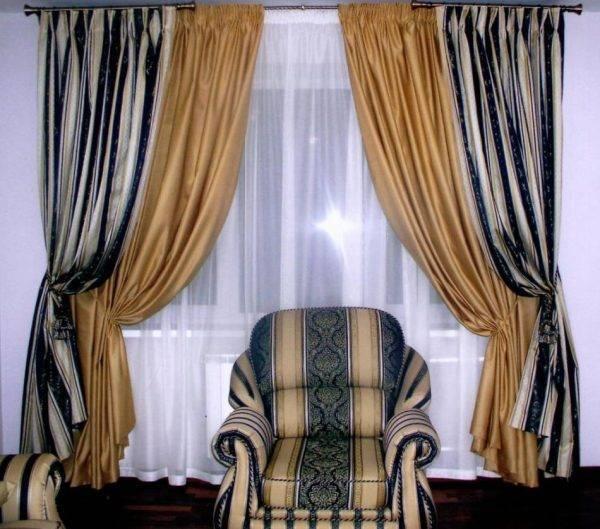 Двухцветные шторы для гостиной — фото новинок