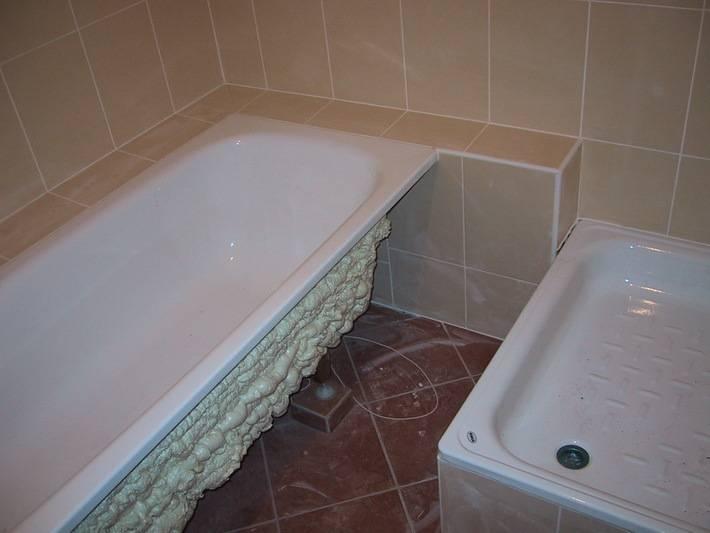 Супруги показали, как в очень маленькой ванной сделать шикарный ремонт: фото до и после