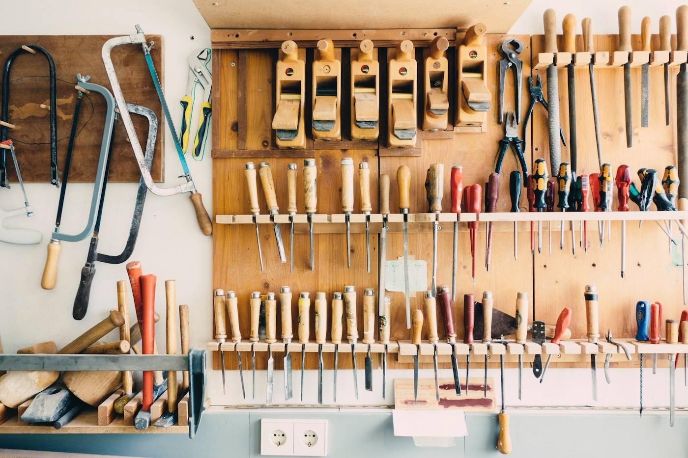 Лайфхаки для гаража (41 фото): интересные идеи для мастерской и полезные гаражные приспособления своими руками